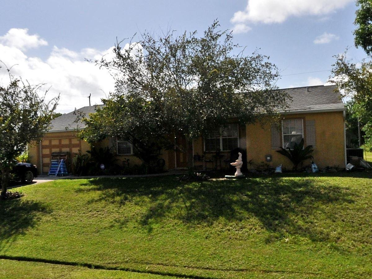1998 SE Lavina Circle, Port Saint Lucie, FL 34952 - #: RX-10704625