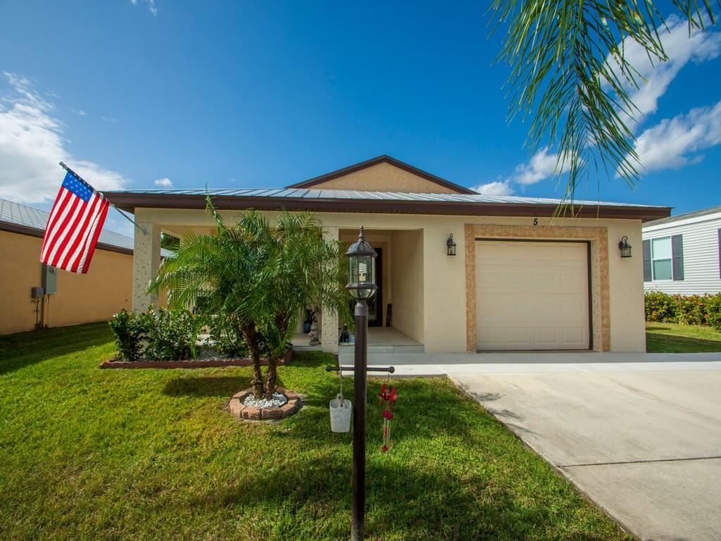 5 SE Flamenco Way, Port Saint Lucie, FL 34952 - #: RX-10683632