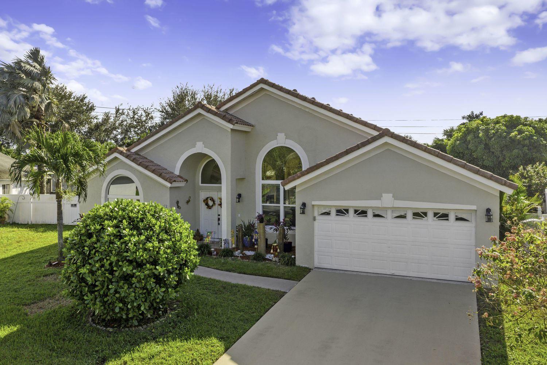 13 Meadows Park Lane, Boynton Beach, FL 33436 - #: RX-10672635