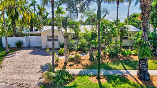 Photo of 1528 SE 8th Avenue, Deerfield Beach, FL 33441 (MLS # RX-10643643)