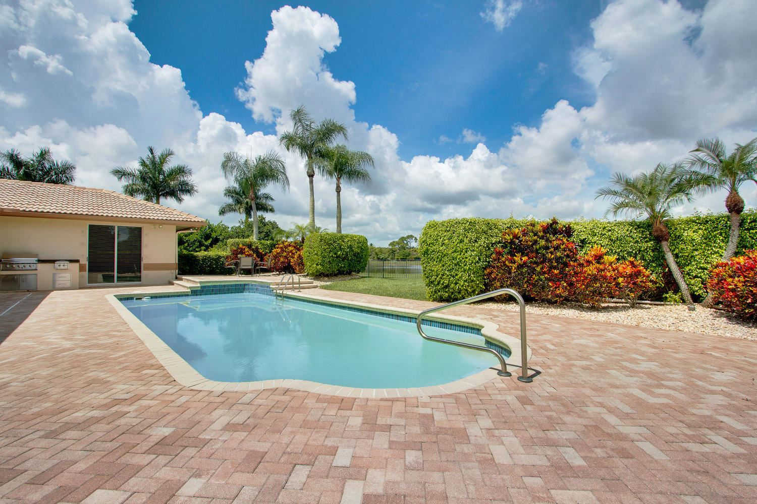 Photo of 8667 Steeplechase Drive, Palm Beach Gardens, FL 33418 (MLS # RX-10602645)