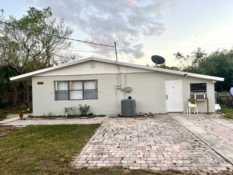 613 3rd Street SW, Vero Beach, FL 32962 - MLS#: RX-10748646