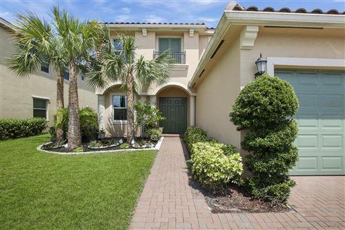 Foto de inmueble con direccion 3012 Strada Court Royal Palm Beach FL 33411 con MLS RX-10621649