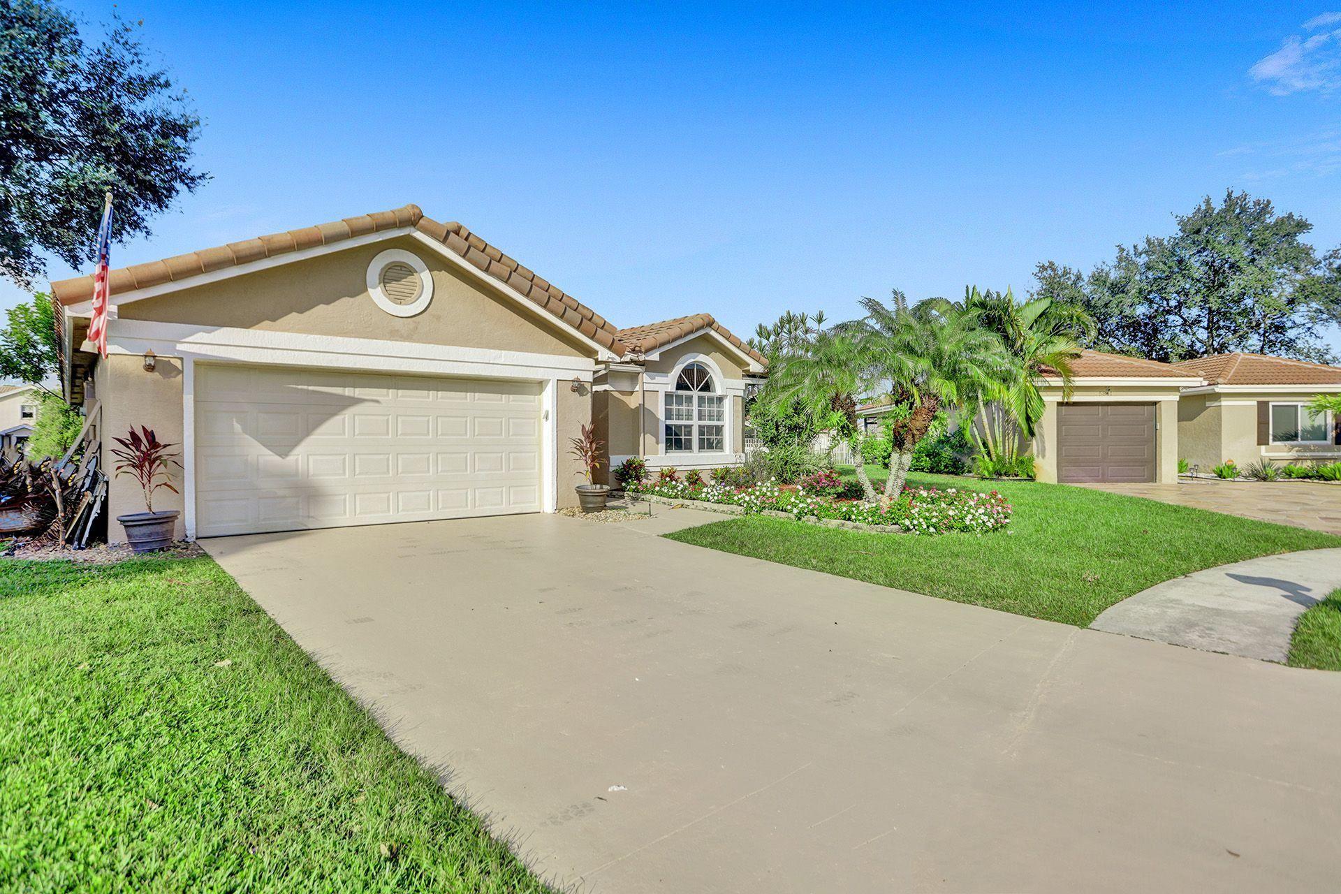 Photo of 5851 Amethyst Court, Boynton Beach, FL 33472 (MLS # RX-10657649)