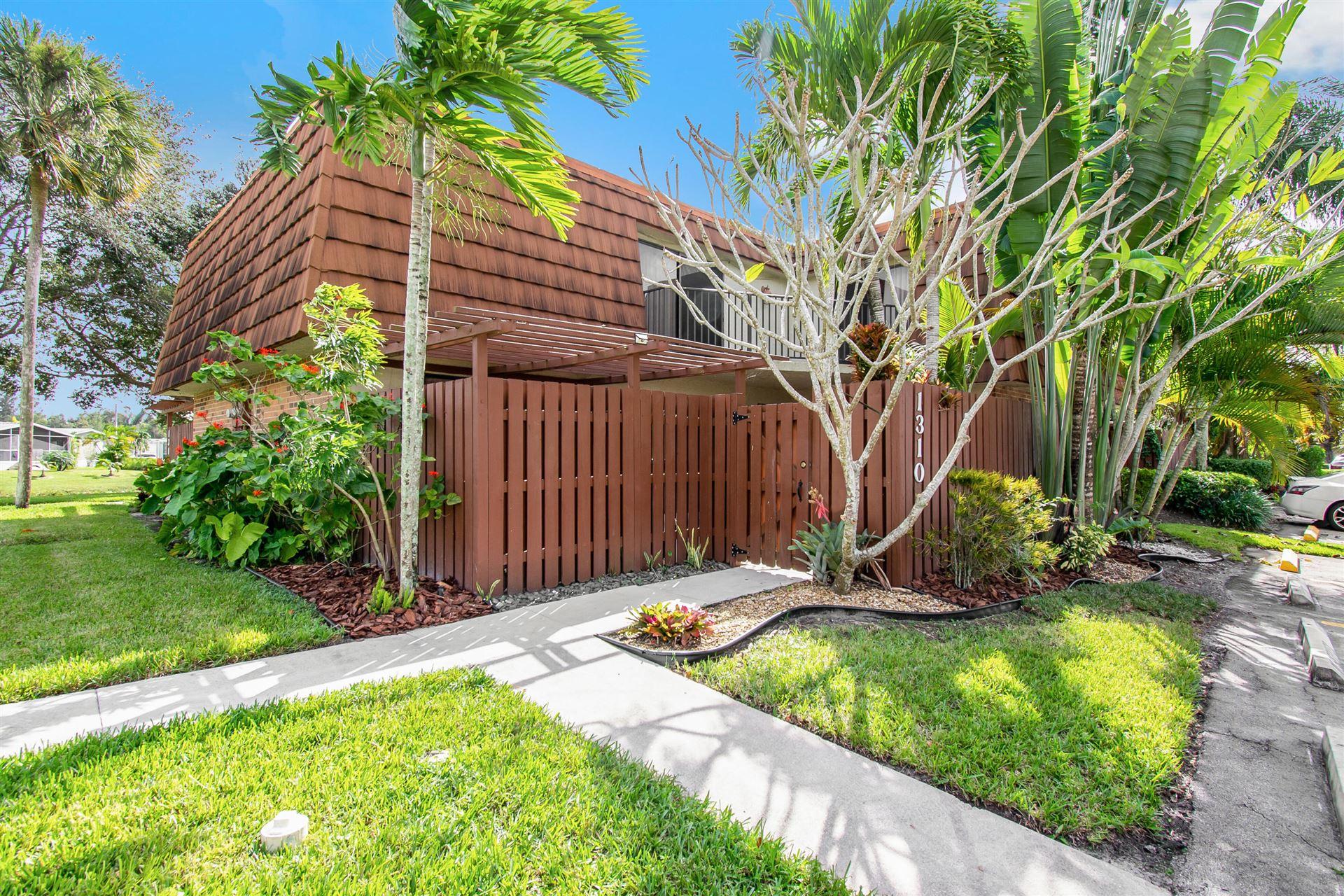 1310 SW 118th Terrace, Davie, FL 33325 - #: RX-10672651