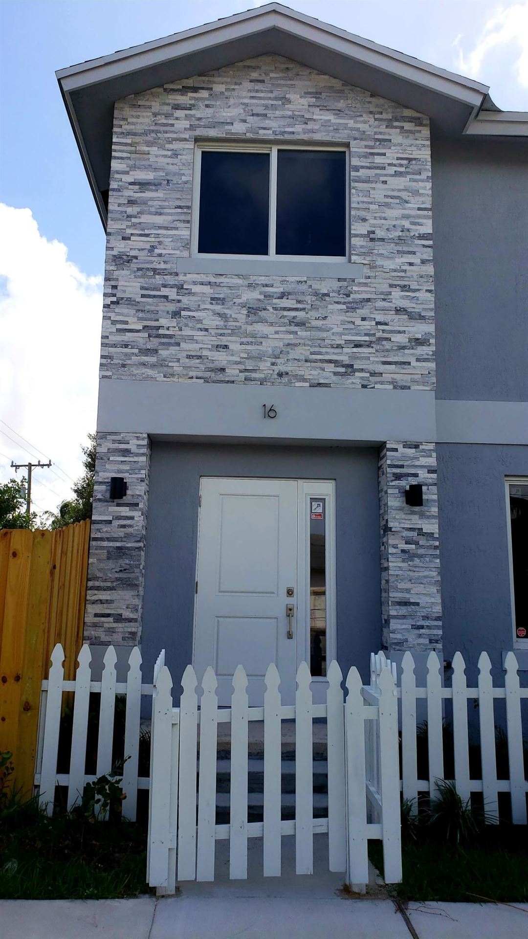 16 NW 11th Street, Fort Lauderdale, FL 33311 - #: RX-10682651