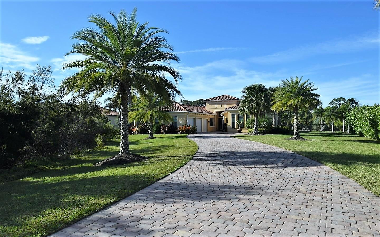Photo of 5275 SW Longspur Lane, Palm City, FL 34990 (MLS # RX-10660654)