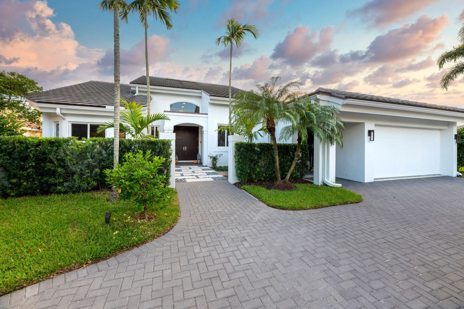 Photo of 114 Regatta Drive, Jupiter, FL 33477 (MLS # RX-10672656)