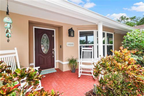 Photo of 10888 Hickory Drive, Palm Beach Gardens, FL 33410 (MLS # RX-10656657)