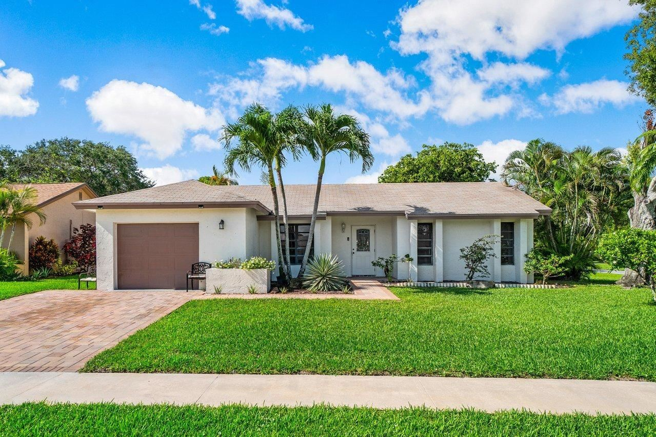 10401 Greenbriar Court, Boca Raton, FL 33498 - MLS#: RX-10727657