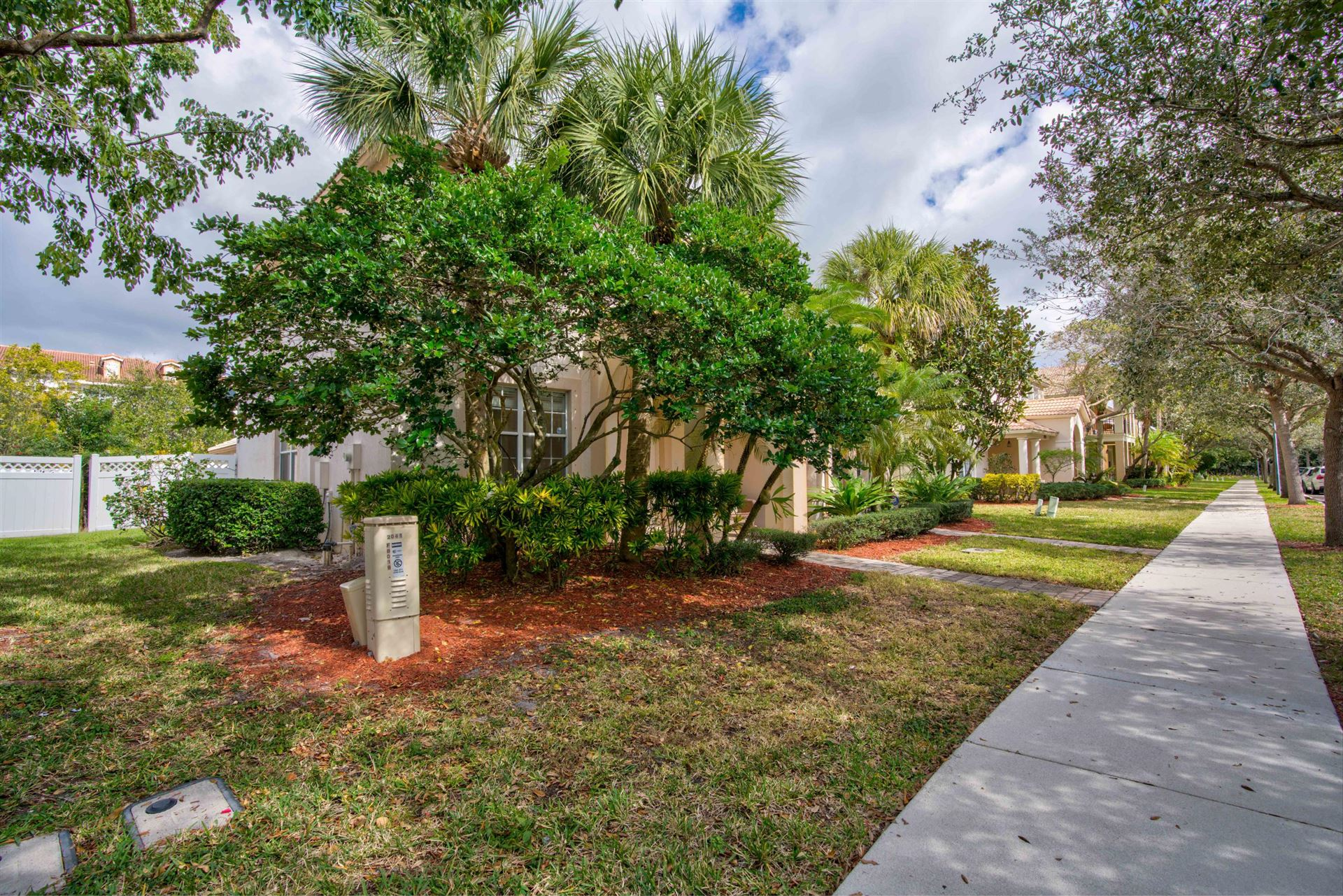 Photo of 8019 Murano Circle, Palm Beach Gardens, FL 33418 (MLS # RX-10687658)