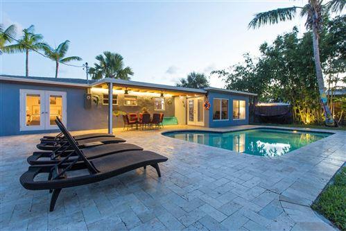 Photo of 301 NE 28th Street, Boca Raton, FL 33431 (MLS # RX-10610659)