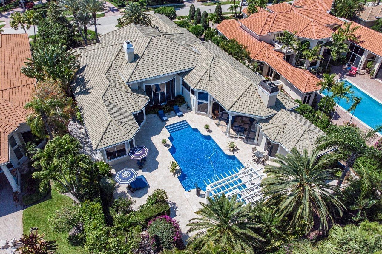 Photo of 18 Saint Thomas Drive, Palm Beach Gardens, FL 33418 (MLS # RX-10706659)