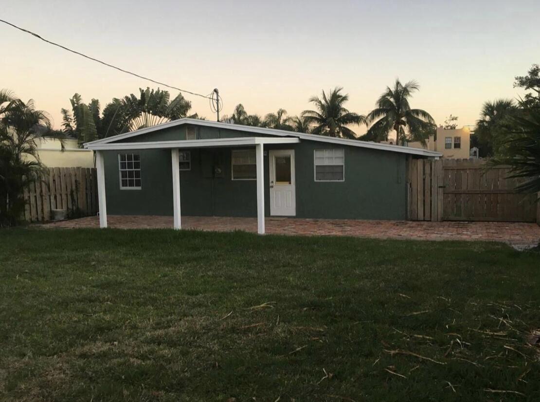 615 El Prado, West Palm Beach, FL 33405 - #: RX-10743659