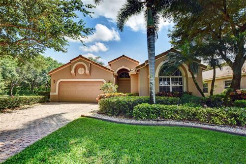 Photo of 10081 Diamond Lake Drive, Boynton Beach, FL 33437 (MLS # RX-10707670)