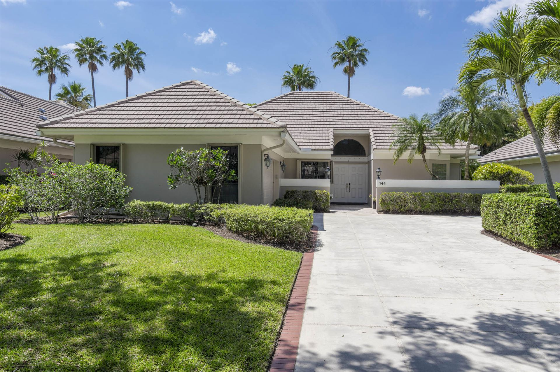 Photo of 144 Coventry Place, Palm Beach Gardens, FL 33418 (MLS # RX-10709672)