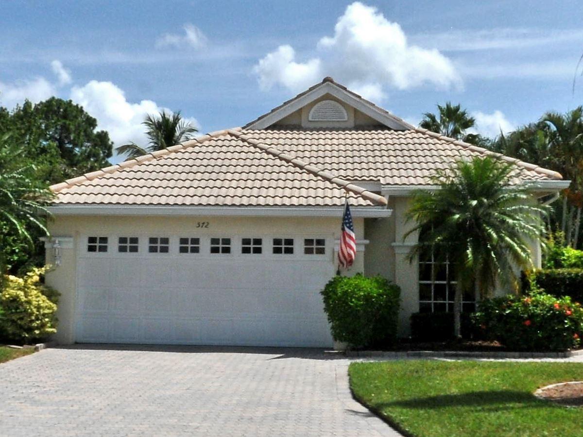 572 SW New Castle Cove, Port Saint Lucie, FL 34986 - #: RX-10715674