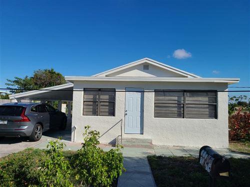 Photo of 125 NW 13th Avenue, Boynton Beach, FL 33435 (MLS # RX-10694675)