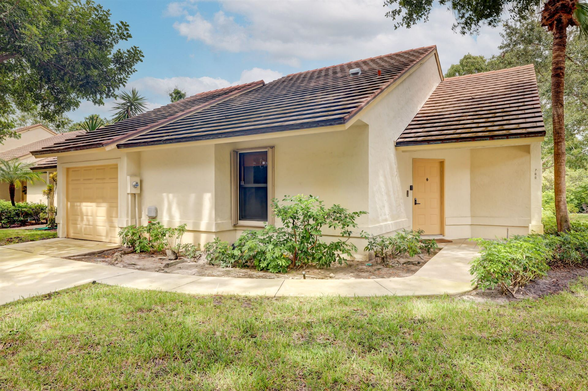 Photo of 700 Bannock Lane, Palm Beach Gardens, FL 33418 (MLS # RX-10741677)