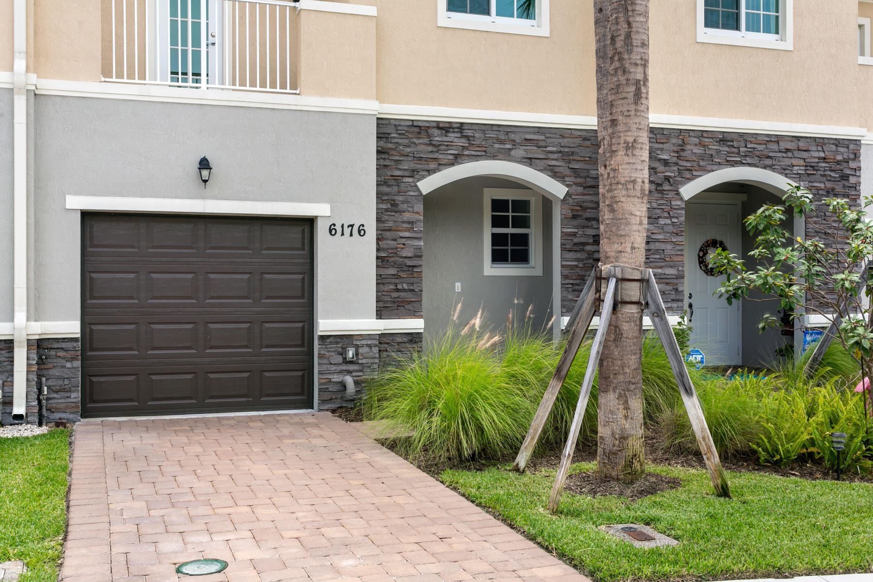 Photo of 6176 SE Portofino Circle #3-303, Hobe Sound, FL 33455 (MLS # RX-10744679)