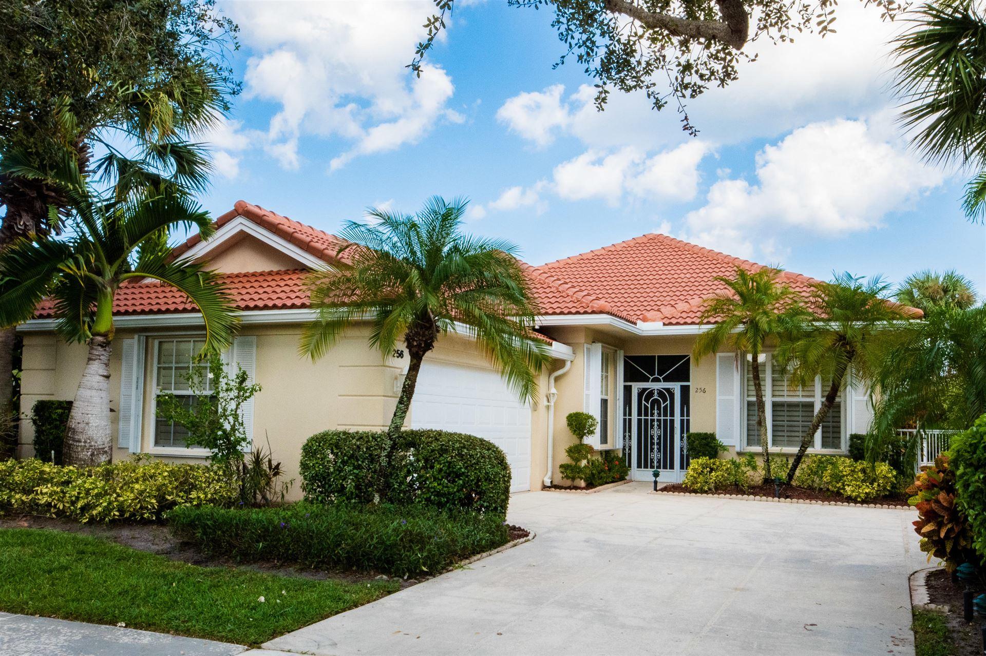 256 Kelsey Park Circle, Palm Beach Gardens, FL 33410 - #: RX-10652681