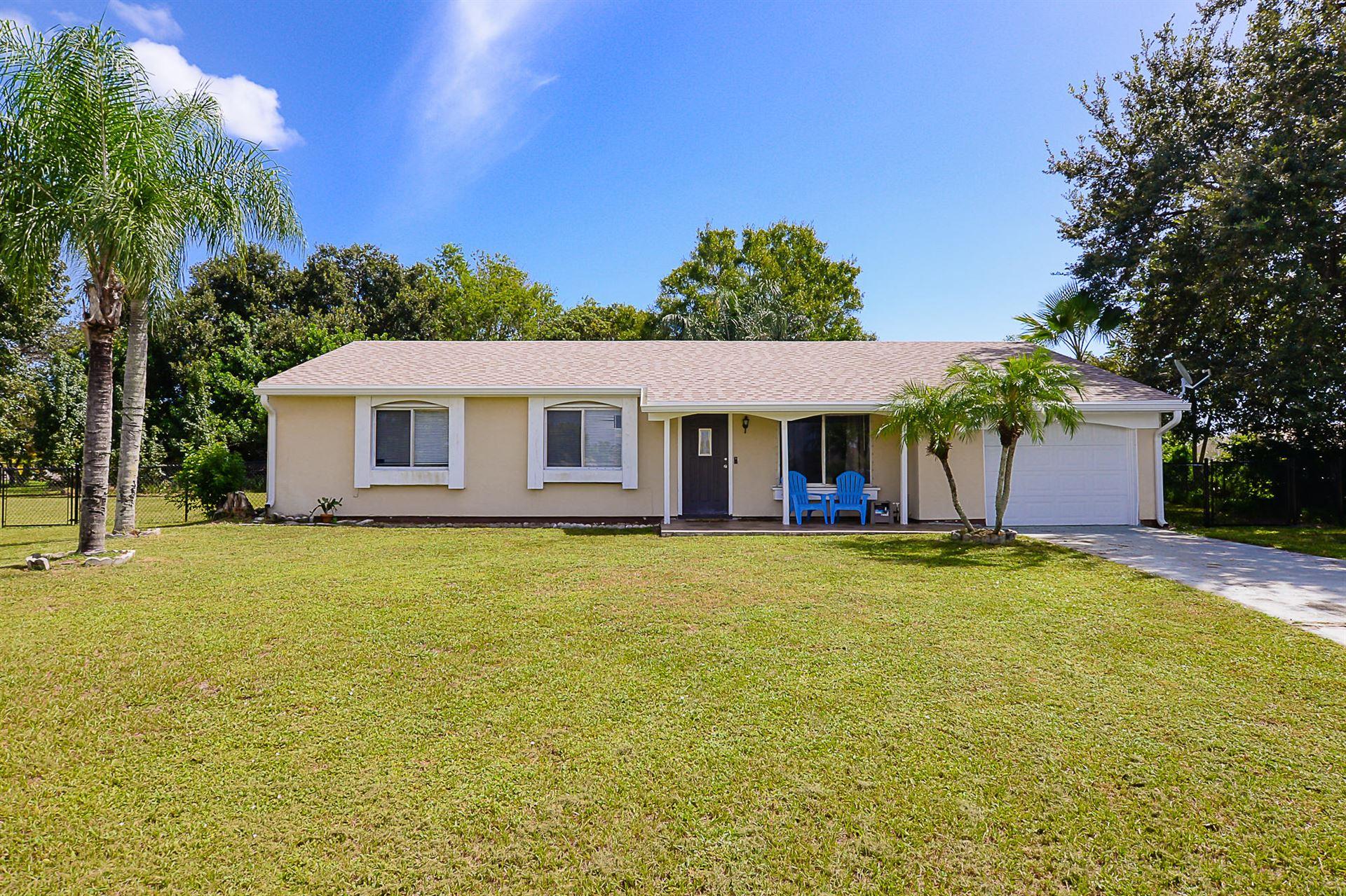 400 SW Ruffner Court, Port Saint Lucie, FL 34953 - #: RX-10657683