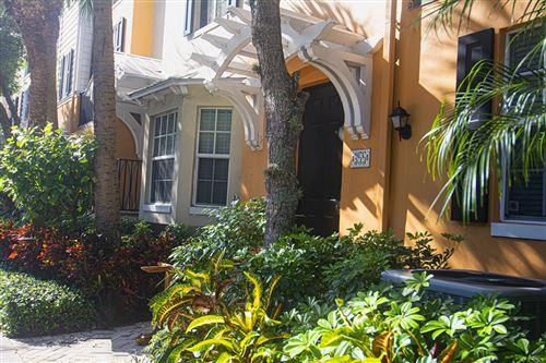 Foto de 355 E Mallory Circle #355, Delray Beach, FL 33483 (MLS # RX-10589685)