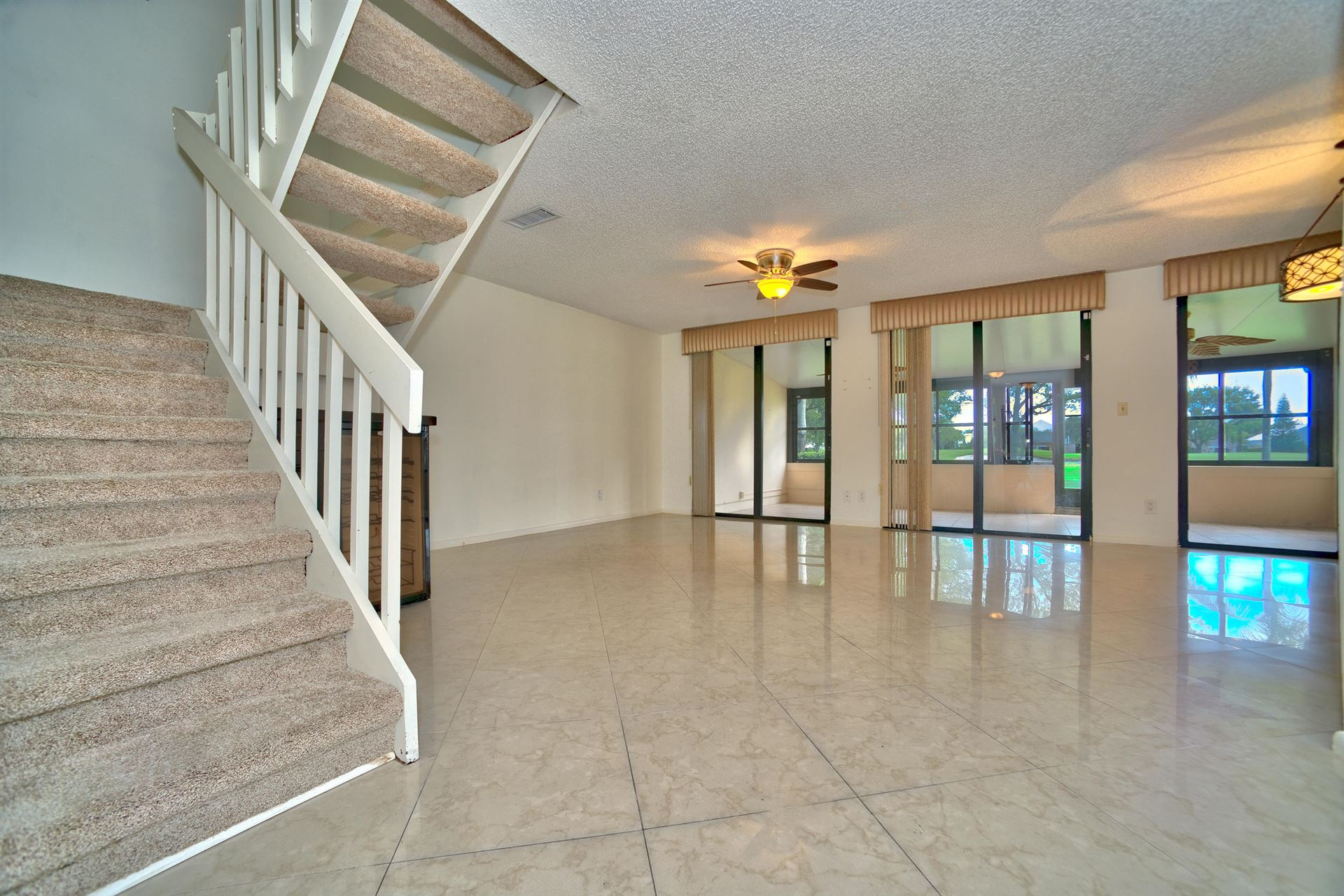 Photo of 806 Windermere Way, Palm Beach Gardens, FL 33418 (MLS # RX-10658687)
