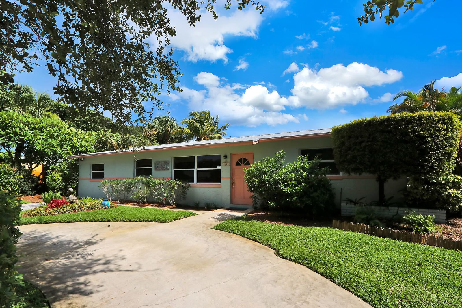 2421 Holly Lane, Palm Beach Gardens, FL 33410 - #: RX-10640688