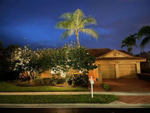 Photo of 6294 Golf Villas Drive, Boynton Beach, FL 33437 (MLS # RX-10734691)