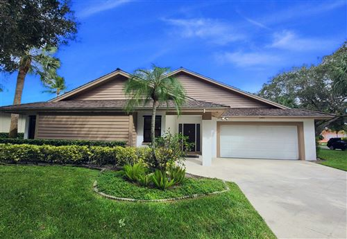 Photo of 6493 Winding Lake Drive, Jupiter, FL 33458 (MLS # RX-10669693)