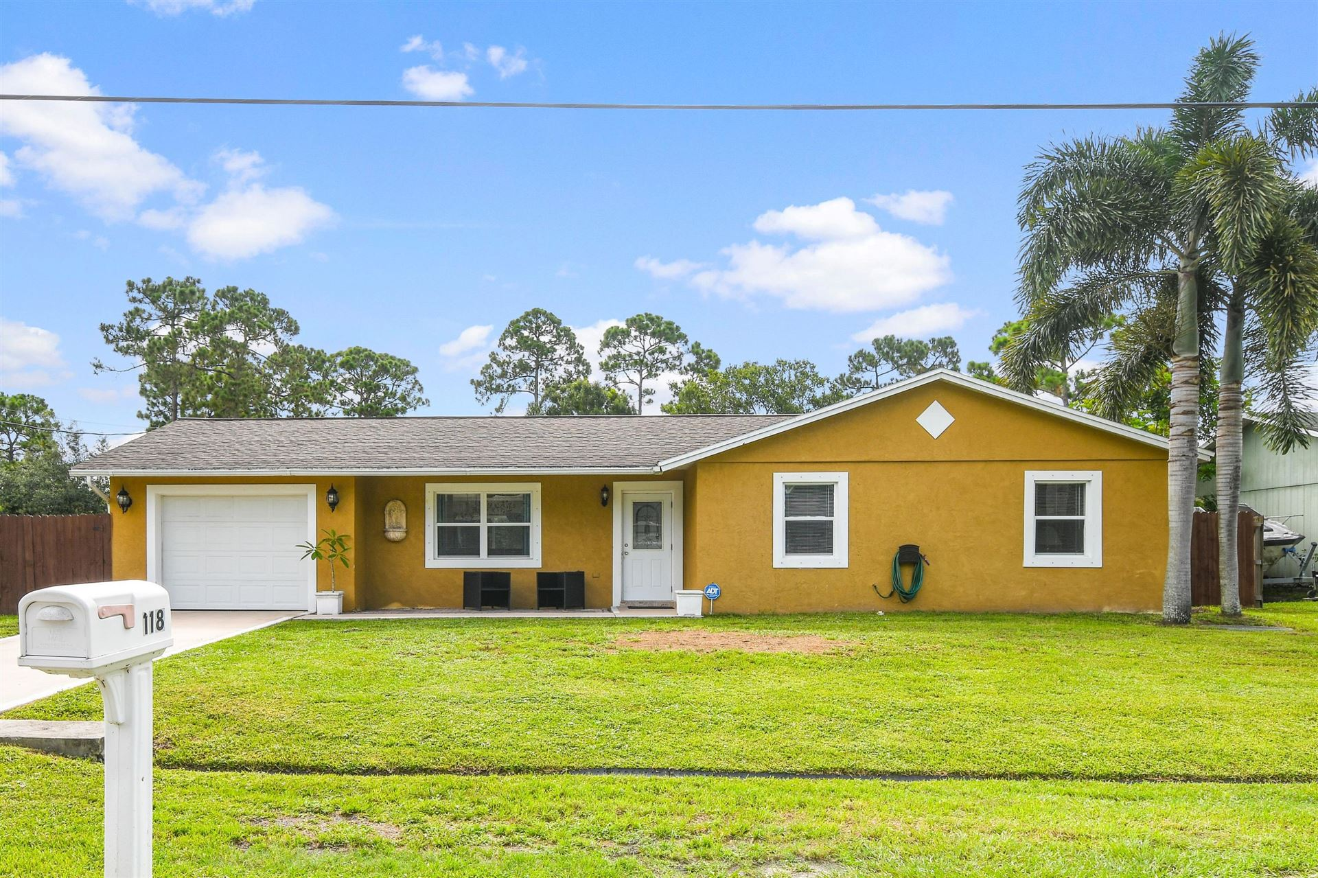 118 SE Crosspoint Drive, Port Saint Lucie, FL 34983 - #: RX-10640693