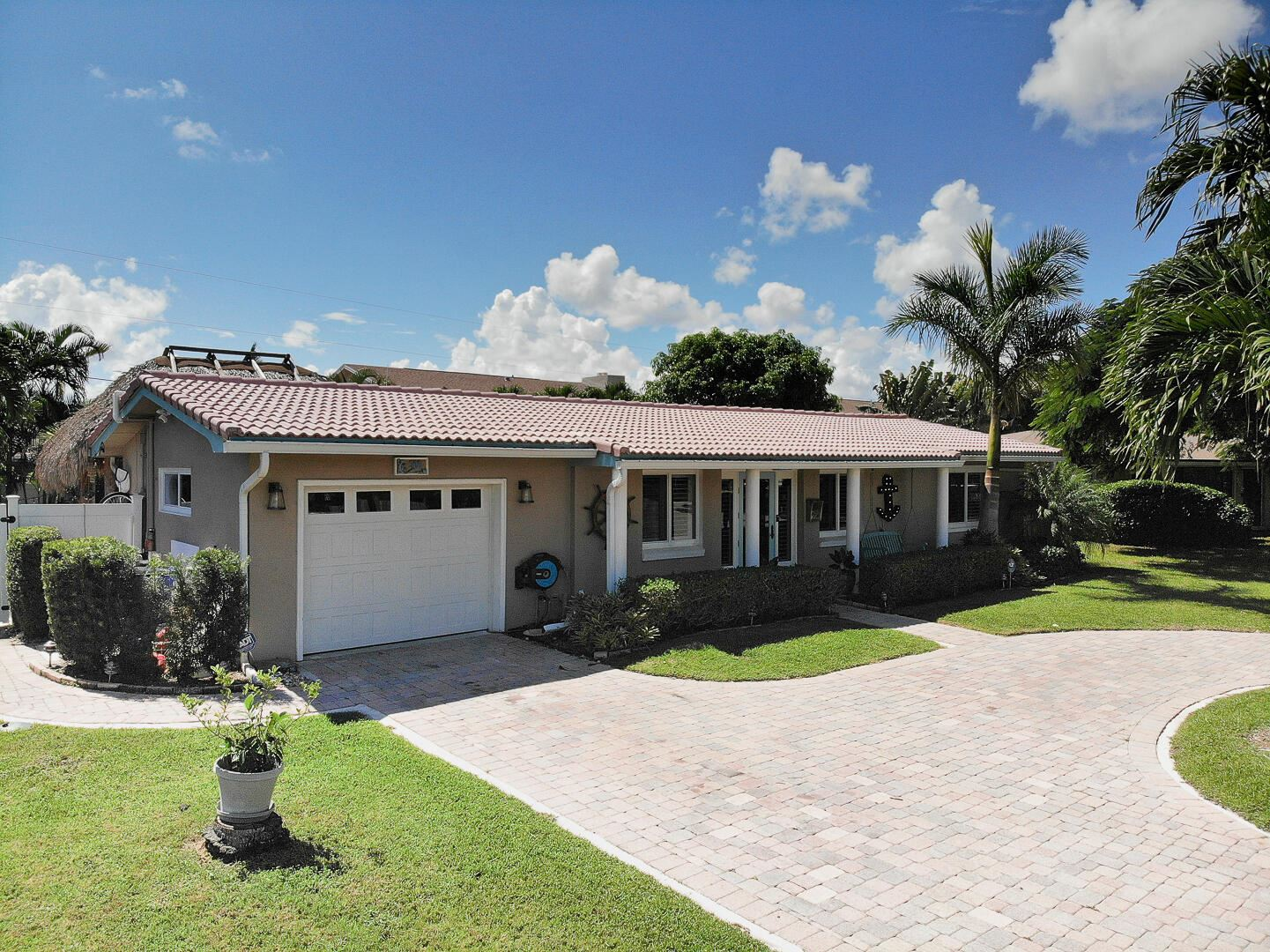 Photo of 906 SE 8th Court, Deerfield Beach, FL 33441 (MLS # RX-10751695)