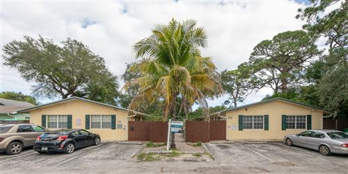 Photo of 716 SW 14th Avenue #3, Fort Lauderdale, FL 33312 (MLS # RX-10580699)