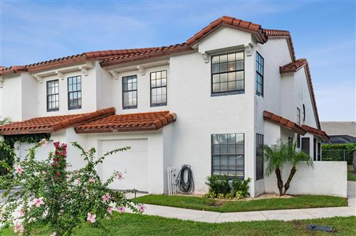 Photo of 13493 Fountain View Boulevard, Wellington, FL 33414 (MLS # RX-10671701)