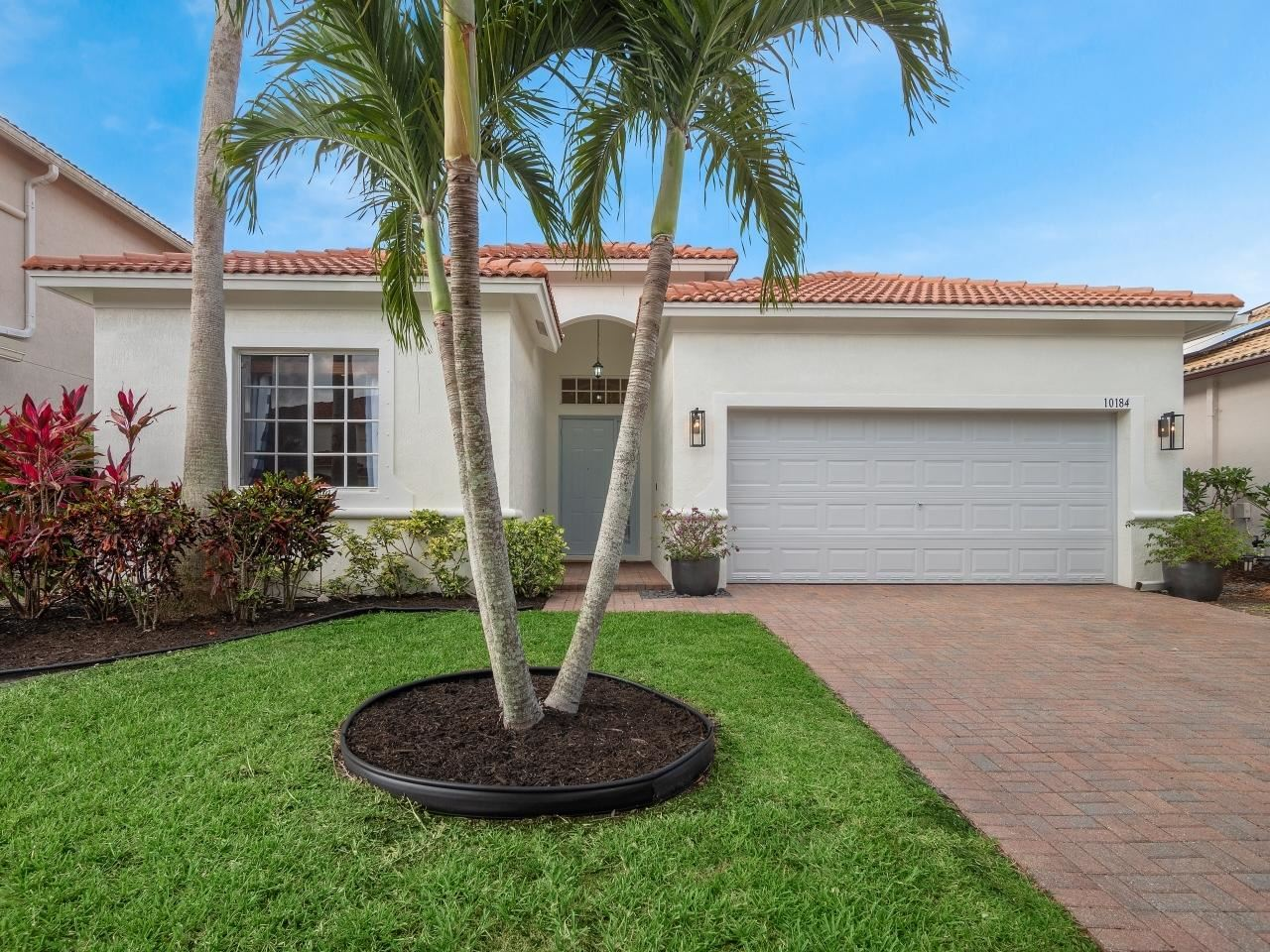 Photo of 10184 Boca Vista Drive, Boca Raton, FL 33498 (MLS # RX-10716701)