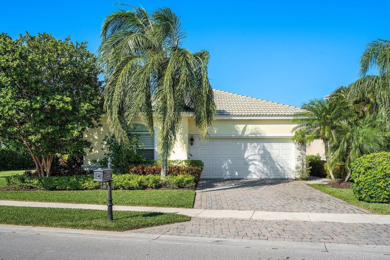Photo of 200 Via Condado Way, Palm Beach Gardens, FL 33418 (MLS # RX-10708702)