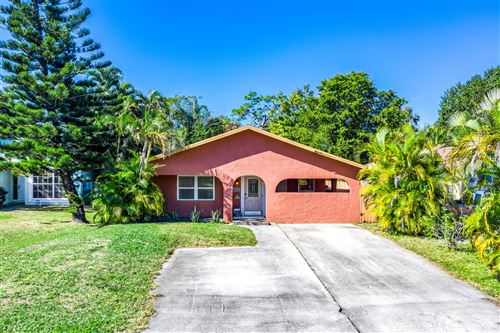 Photo of 15185 Hayes Road, Delray Beach, FL 33484 (MLS # RX-10686705)