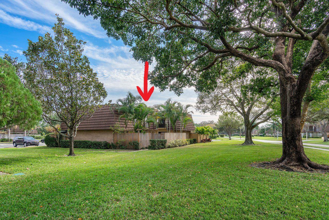 Photo of 1604 16th Lane, Palm Beach Gardens, FL 33418 (MLS # RX-10685705)