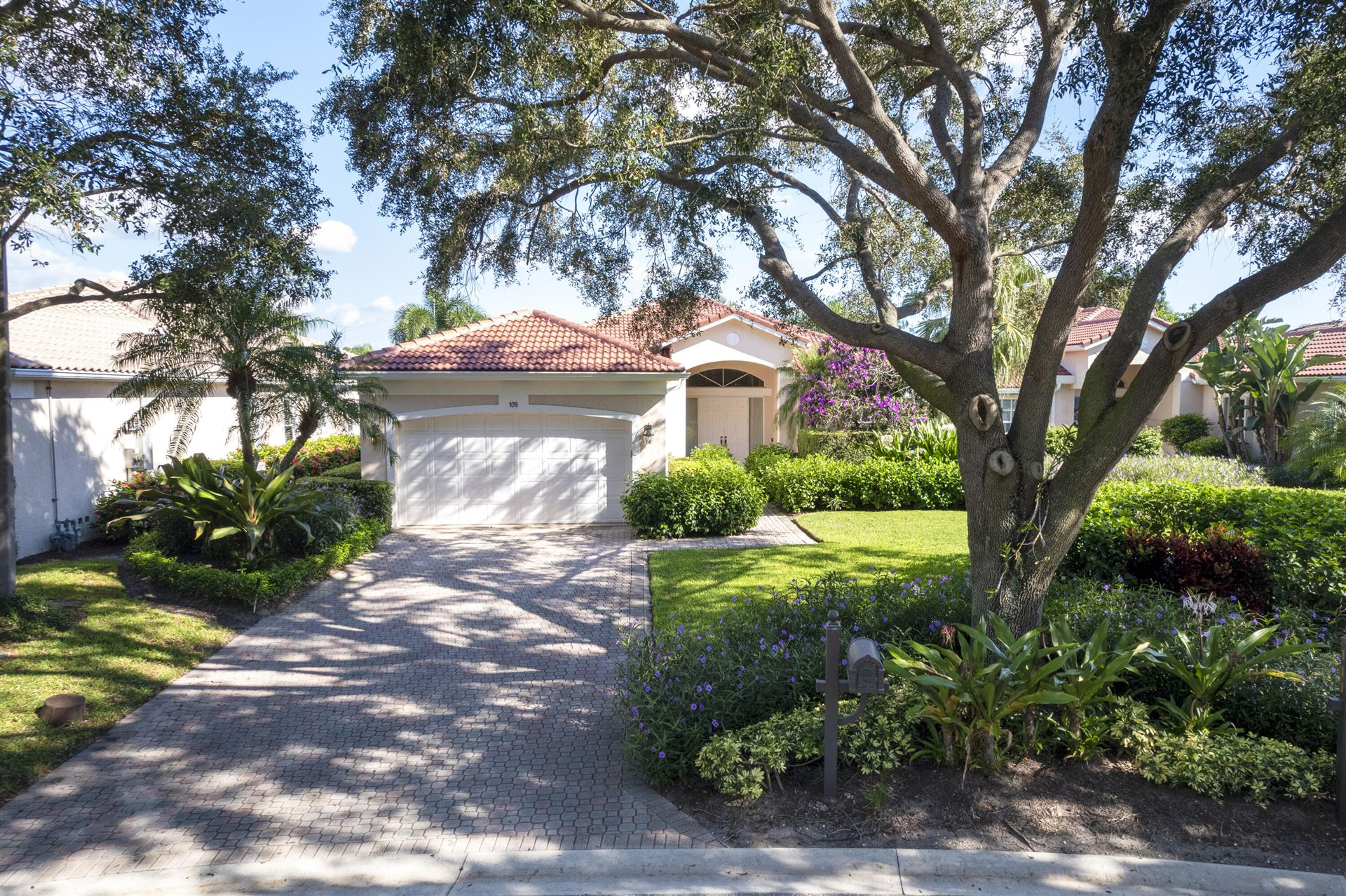 Photo of 109 Village Clubhouse Circle, Jupiter, FL 33458 (MLS # RX-10748706)