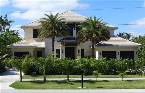 Photo of 924 S Ocean Boulevard, Delray Beach, FL 33483 (MLS # RX-10397707)