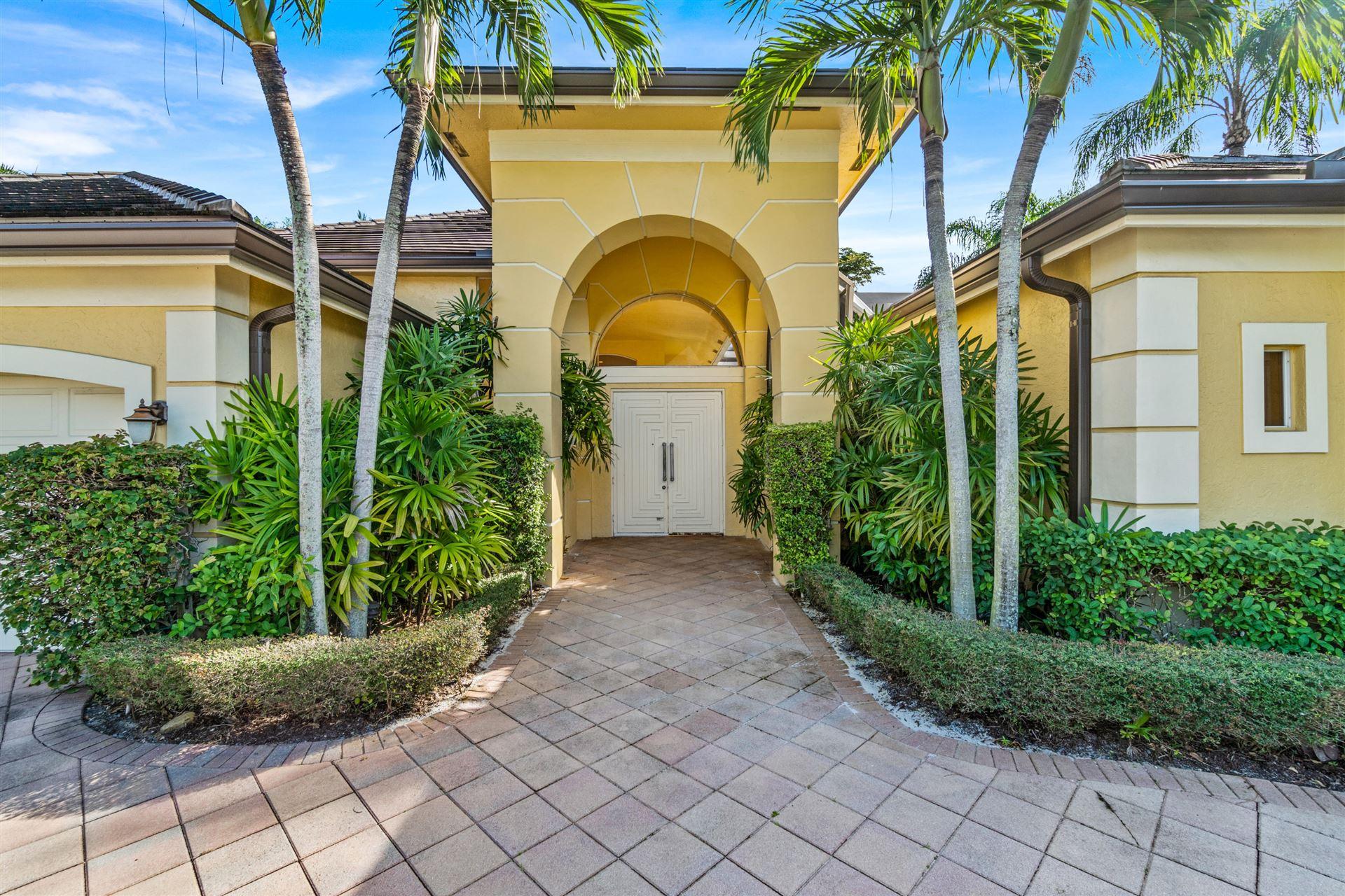 Photo of 7064 Mandarin Dr Drive, Boca Raton, FL 33433 (MLS # RX-10674707)