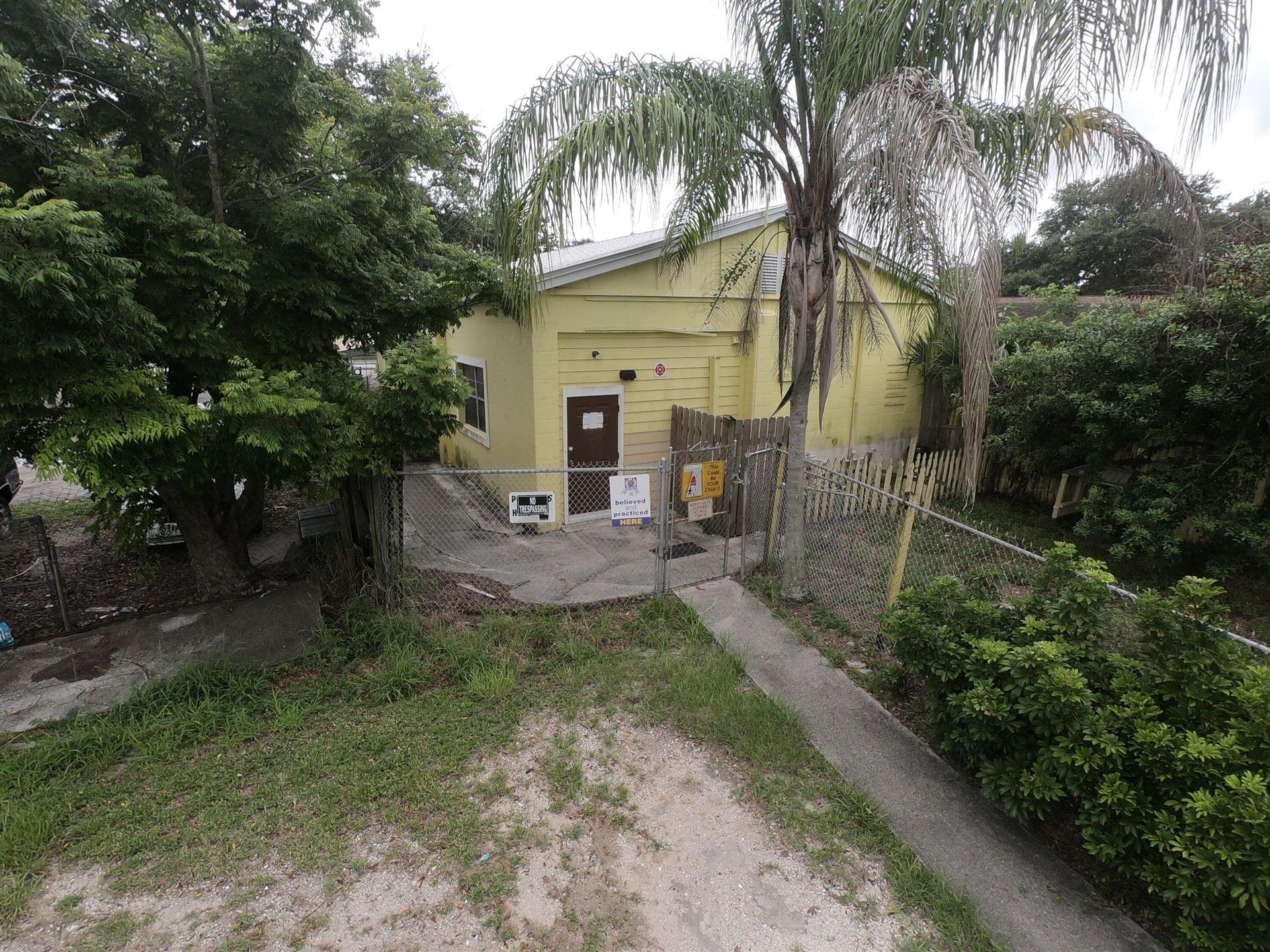 Photo of 2208 Okeechobee Road, Fort Pierce, FL 34950 (MLS # RX-10724708)