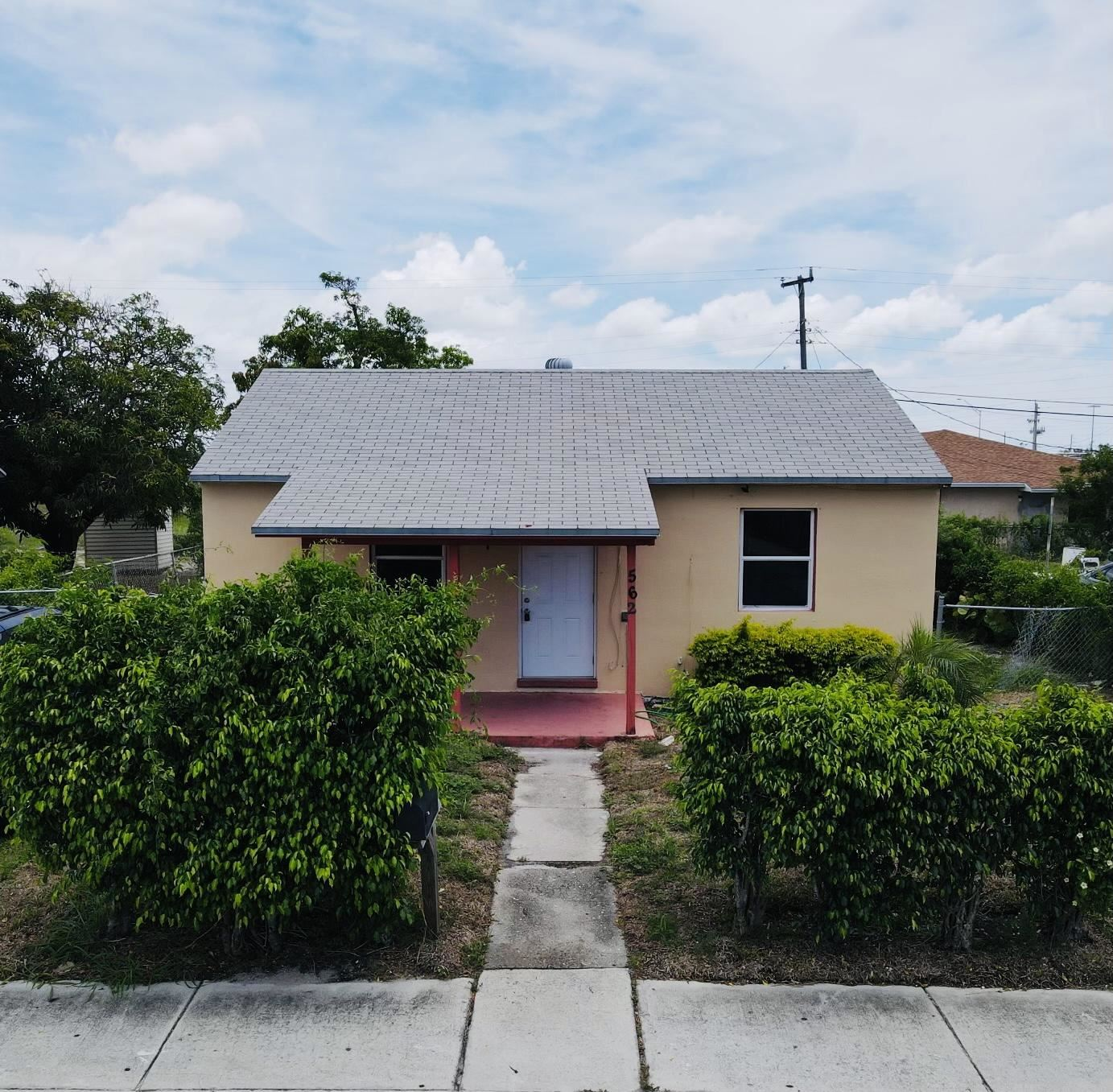 562 W 4th Street, Riviera Beach, FL 33404 - #: RX-10728708