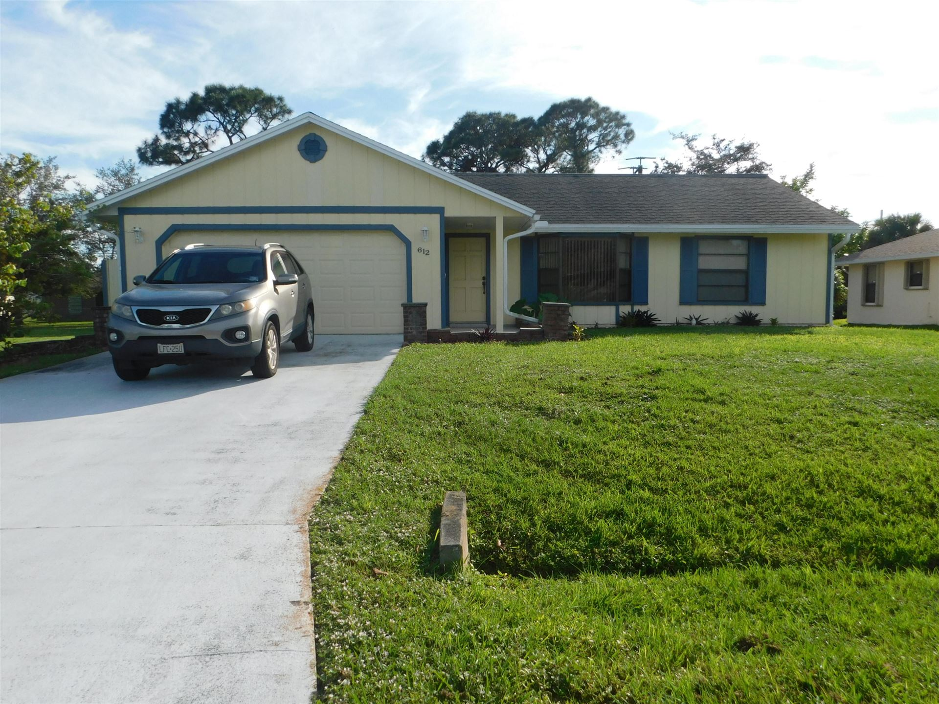 612 SE Crescent Avenue, Port Saint Lucie, FL 34984 - #: RX-10597711