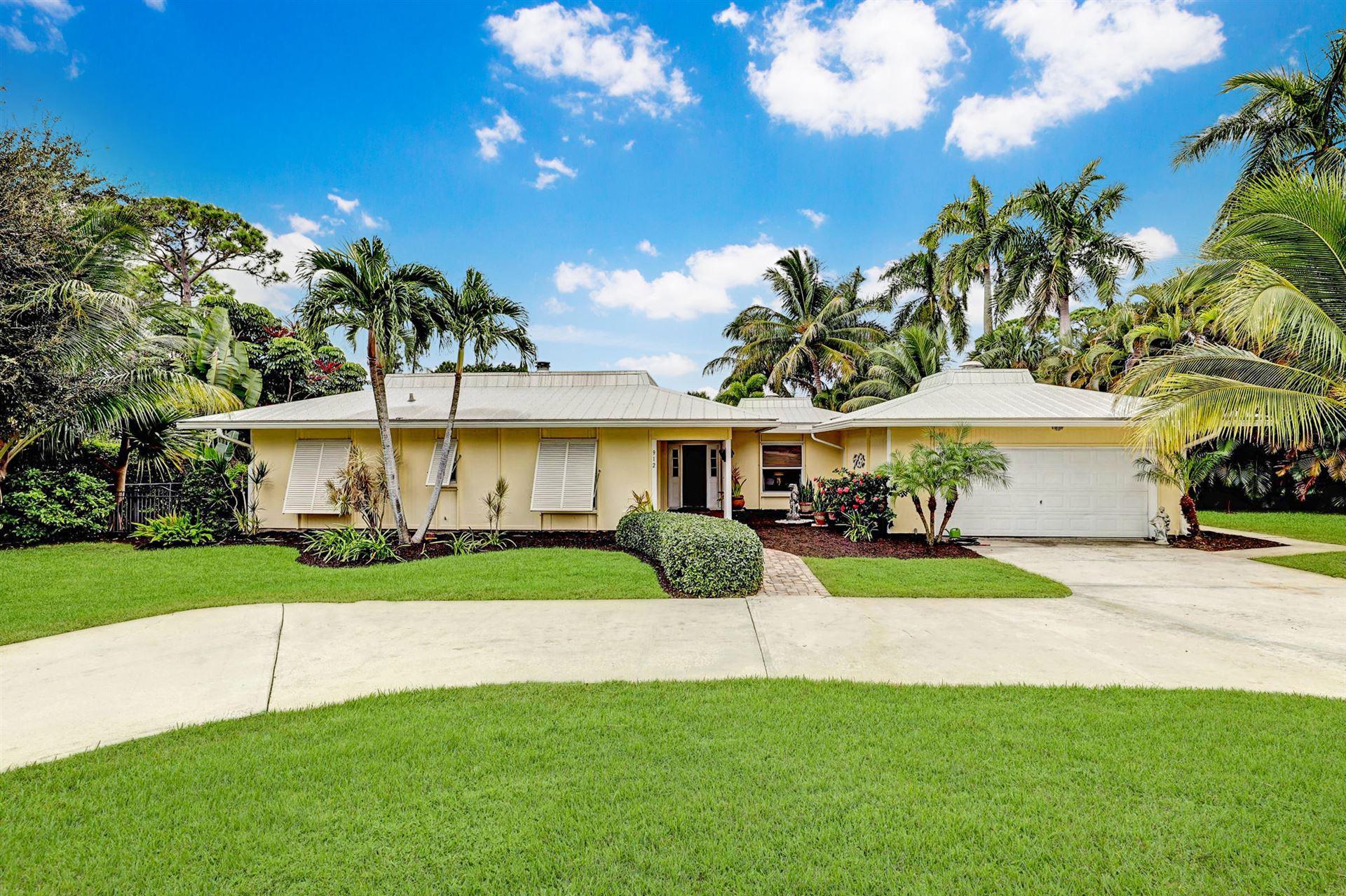 912 SE Parkway Drive, Stuart, FL 34996 - #: RX-10659713