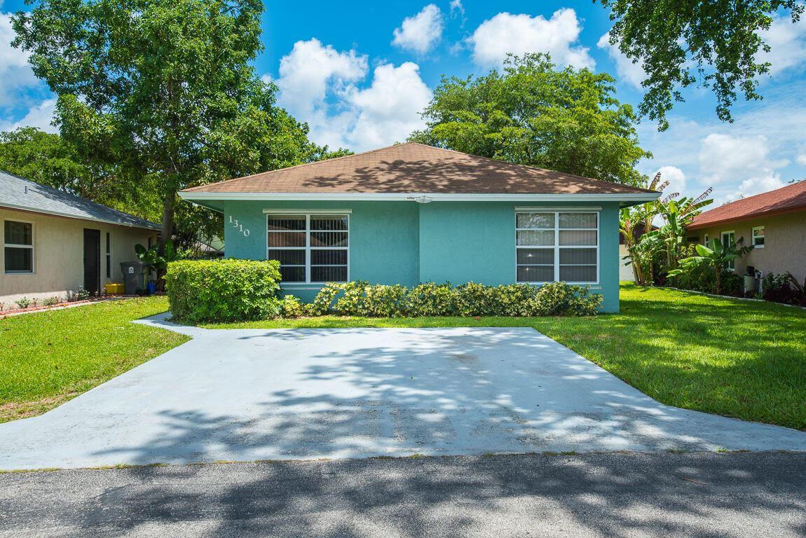 1310 Summit Run Circle, West Palm Beach, FL 33415 - #: RX-10722717
