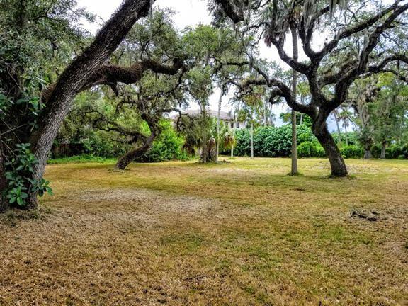 Photo of 618 Lantana Lane, Vero Beach, FL 32963 (MLS # RX-10627718)