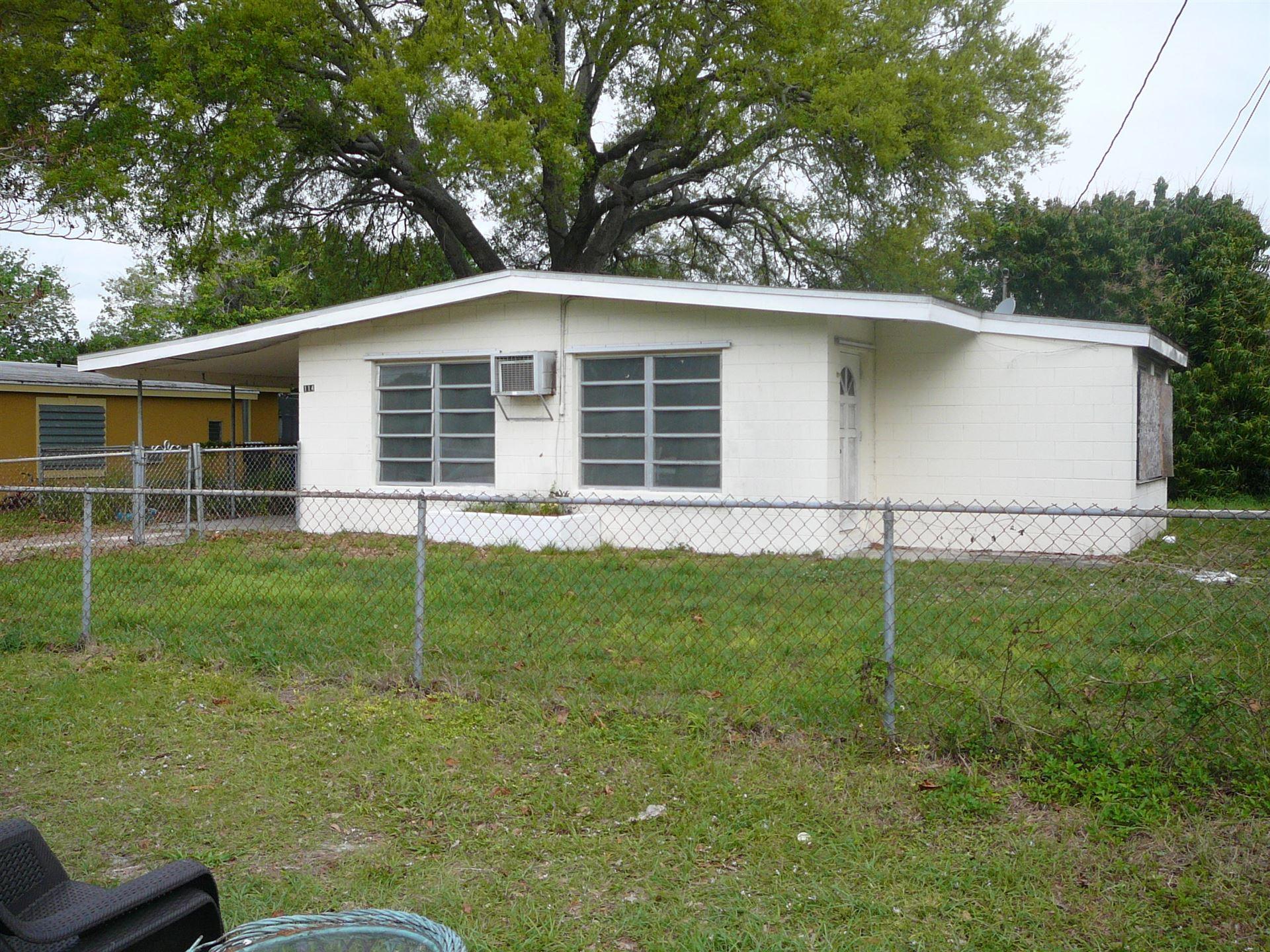 114 Roselyn Avenue, Fort Pierce, FL 34982 - #: RX-10660718