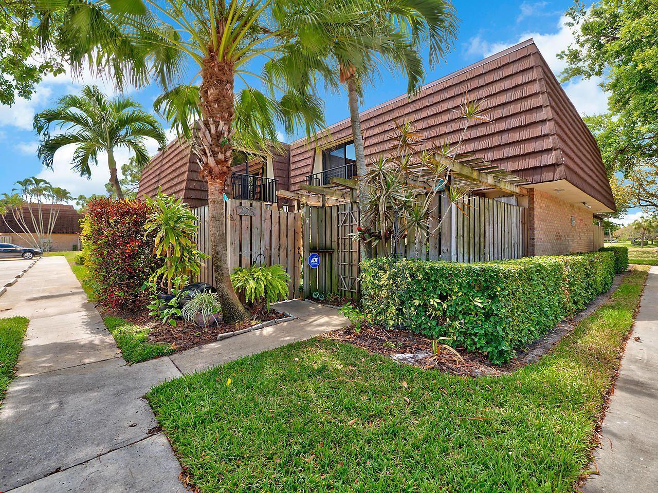225 2nd Lane, Palm Beach Gardens, FL 33418 - #: RX-10627724